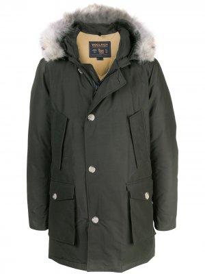 Парка Arctic Woolrich. Цвет: зеленый