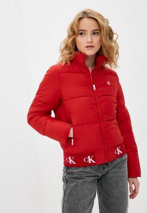 Куртка утепленная Calvin Klein Jeans. Цвет: красный