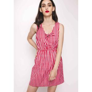 Платье короткое с V-образным вырезом бантом, без рукавов COMPANIA FANTASTICA. Цвет: в клетку красный/белый