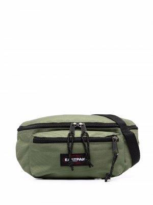 Поясная сумка с нашивкой-логотипом Eastpak. Цвет: зеленый