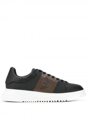 Кроссовки на платформе с тисненым логотипом Emporio Armani. Цвет: черный