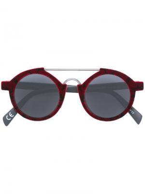 Солнцезащитные очки Italia Independent. Цвет: красный