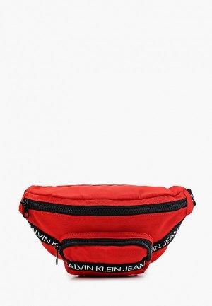 Сумка поясная Calvin Klein Jeans. Цвет: красный