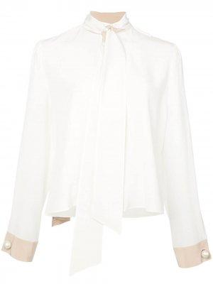Блузка с завязками Alexis. Цвет: белый