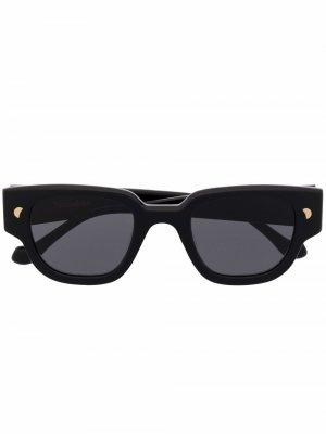 Солнцезащитные очки Samui в D-образной оправе Nanushka. Цвет: черный