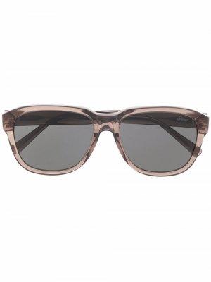 Солнцезащитные очки в массивной оправе Brioni. Цвет: коричневый