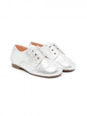 Туфли с эффектом металлик CLARYS. Цвет: серый