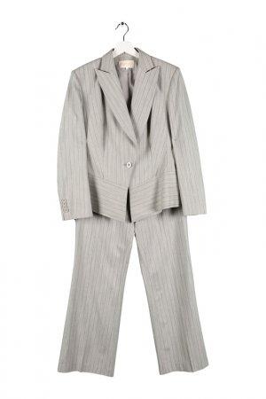 Костюм: пиджак, жилет, брюки Expression. Цвет: светло-серый
