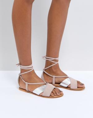 Замшевые сандалии с завязками ASOS FOLLOW YOU DESIGN. Цвет: мульти