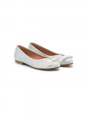 Туфли-лодочки с заостренным носком Mischka Aoki Kids. Цвет: серебристый