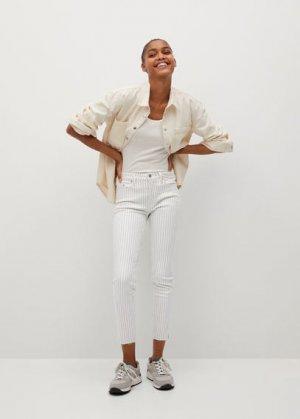 Укороченные джинсы скинни Isa - Mango. Цвет: грязно-белый