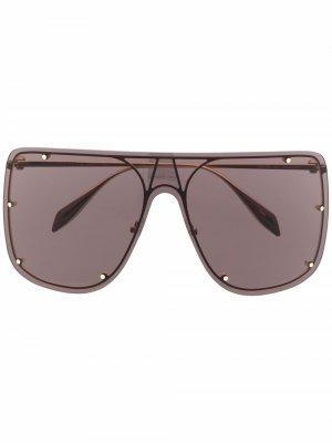 Солнцезащитные очки-авиаторы с заклепками Alexander McQueen Eyewear. Цвет: черный
