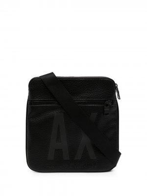 Сумка на плечо с логотипом Armani Exchange. Цвет: черный