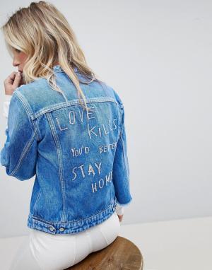 Джинсовая куртка без воротника с необработанными краями и вышивкой Replay. Цвет: синий