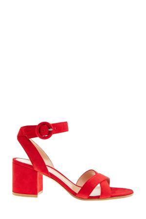 Босоножки из замши на устойчивом каблуке с перекрестной отделкой GIANVITO ROSSI. Цвет: красный