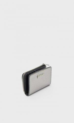 Кошелек С Тиснением Серый 103 Stradivarius. Цвет: серый
