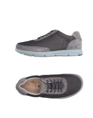 Низкие кеды и кроссовки BIRKENSTOCK. Цвет: серый