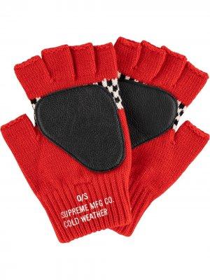 Перчатки Checkered Fingerless Supreme. Цвет: красный