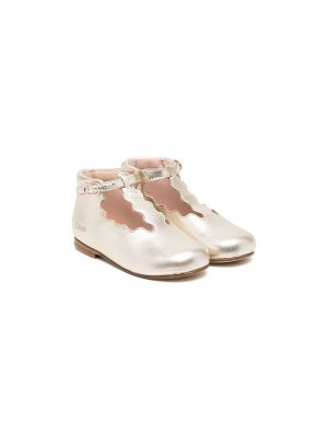 Scallop-edge ballerina shoes Chloé Kids. Цвет: золотистый