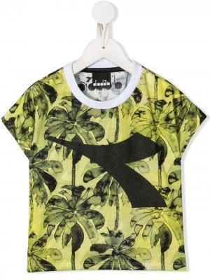 Укороченная футболка с принтом Diadora Junior. Цвет: желтый