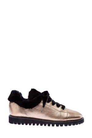 Кроссовки из металлизированной кожи с мехом и цепью на ранте BALLIN. Цвет: золотистый