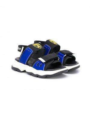 Массивные сандалии с нашивкой-логотипом Bumper. Цвет: черный