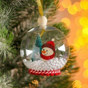 Новогодний шар с деревянной фигуркой Лесная мастерская