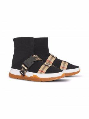 Кроссовки-носки Burberry Kids. Цвет: черный