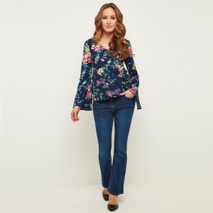 Блузка с V-образным вырезом, расклешенными рукавами и цветочным принтом JOE BROWNS. Цвет: темно-синий/цветочный рисунок