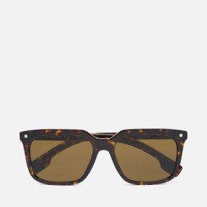 Солнцезащитные очки Carnaby Burberry. Цвет: коричневый
