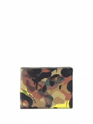 Кошелек с камуфляжным принтом Coach. Цвет: нейтральные цвета