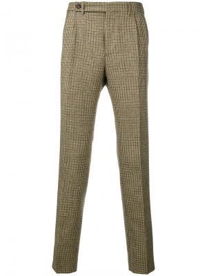Классические брюки с узором в ломаную клетку Berwich. Цвет: бежевый