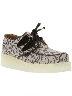 Туфли с принтом B Store X Underground. Цвет: серый