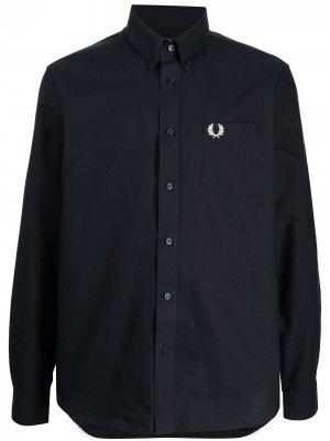 Рубашка с вышитым логотипом FRED PERRY. Цвет: синий