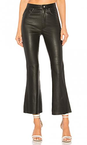 Расклешенные брюки kicks Lovers + Friends. Цвет: черный