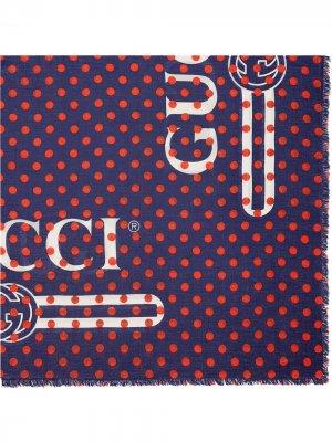 Шаль в горох с логотипом Gucci. Цвет: синий