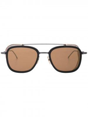 Солнцезащитные очки с двойным мостом в квадратной оправе Thom Browne Eyewear. Цвет: золотистый