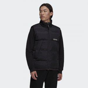 Утепленный жилет Adventure adidas. Цвет: черный