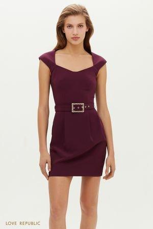 Короткое платье с фигурным вырезом и поясом на талии LOVE REPUBLIC