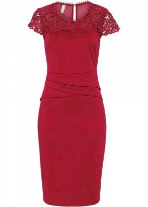 Платье с кружевом bonprix. Цвет: красный