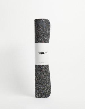 Черный коврик для занятий йогой с логотипом-галочкой толщиной 4 мм -Черный цвет Nike