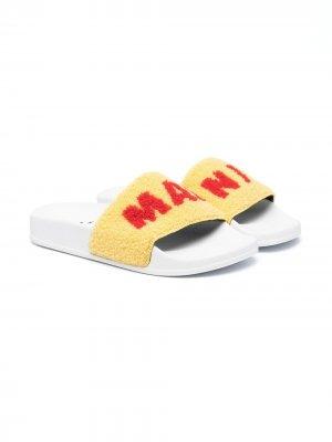 Шлепанцы с логотипом Marni Kids. Цвет: желтый