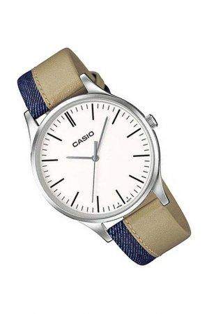 Наручные часы Casio. Цвет: бежевый