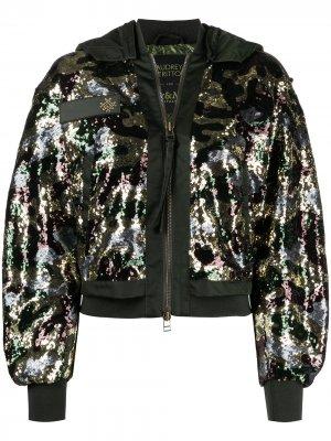Куртка-бомбер с пайетками и камуфляжным принтом Mr & Mrs Italy. Цвет: зеленый