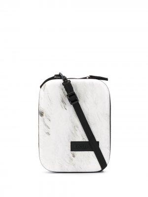 Каркасная сумка на плечо с принтом Eastpak. Цвет: белый