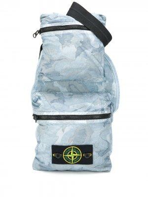Поясная сумка с камуфляжным принтом Stone Island. Цвет: синий