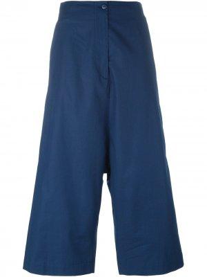 IM Isola Marras укороченные брюки с заниженной проймой I'M. Цвет: синий