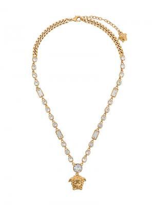 Колье с кулоном головой Медузы Versace. Цвет: золотистый