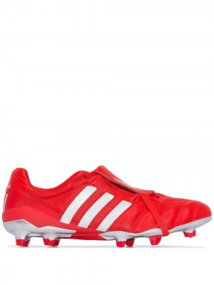 Бутсы Predator Mania adidas. Цвет: красный