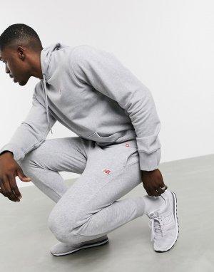 Серые джоггеры с маленьким логотипом -Серый New Balance
